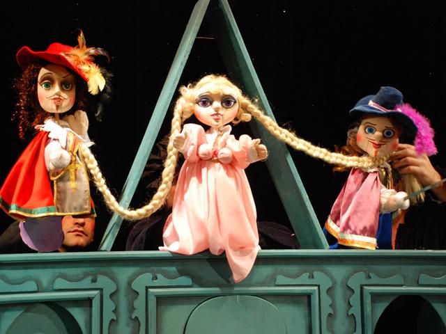 """Пипи Дългото чорапче гостува на сцената на Куклен театър """"Весел"""" в града"""