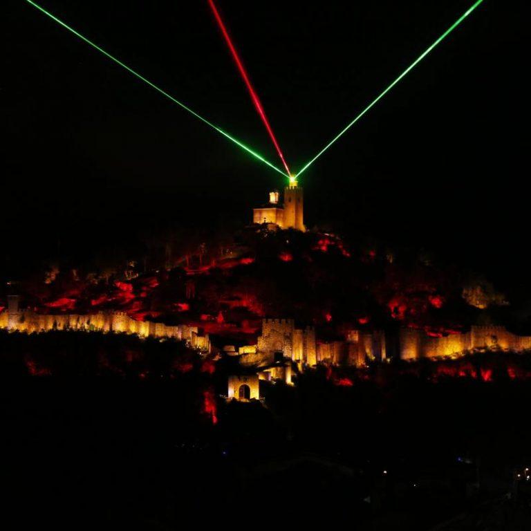 """Ще бъде излъчен Аудио-визуалният спектакъл """"Царевград Търнов – звук и светлина"""" по повод Деня на народните будители"""