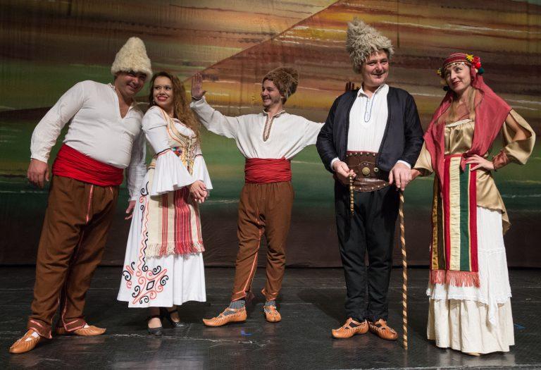 """Мюзикълът """"Четиримата близнаци"""" е новото премиерно заглавие на театъра в Търново"""