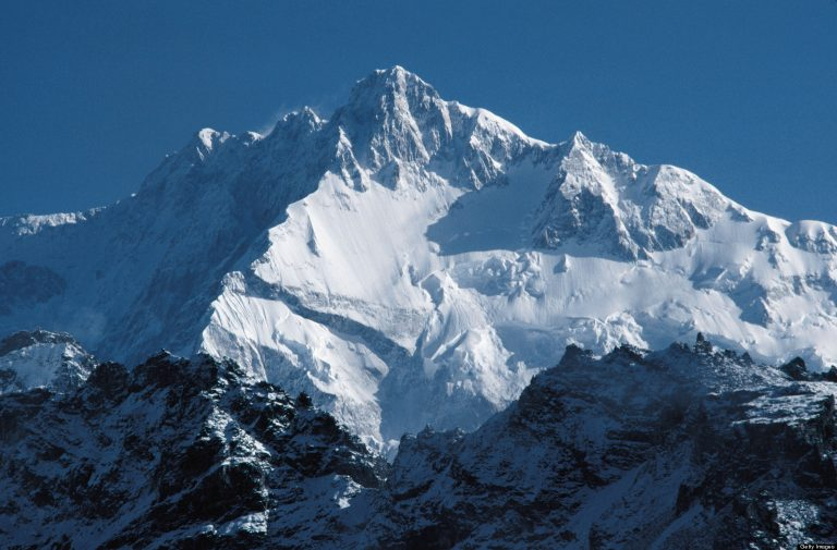 Алпинистът Иван Мутафов осъществи трекинг в района на връх Канченджонга в Хималаите