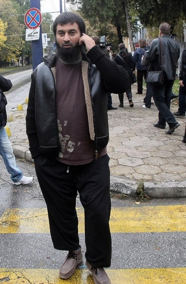 Циганите джихадисти от Пазарджик знаели за кървавия атентат в Берлин; феновете на Муса вдигат купон след касапницата