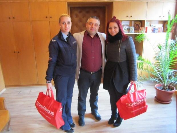 Коледни подаръци получиха децата на загинали служители от ОДМВР – Велико Търново