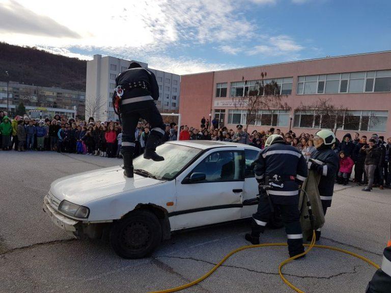 Пожарникарите и доброволците от град Свищов отбелязаха Международния ден на доброволеца 5 декември