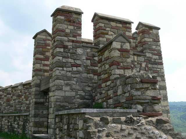 Историческият музей във Велико Търново иска 490К лв. за реставрация на Царевец
