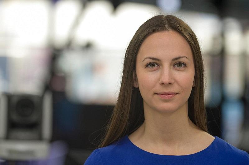 Ева Майдел работи за това хората да усетят Европа по джоба си, в семействата си и в ежедневието си